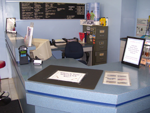 Lanpro Auto Care Centre Ltd. Customer Service Desk | 1870 Ellice Ave | Winnipeg, Manitoba | 204-783-5802